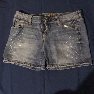 Junior Arizona jean shorts.